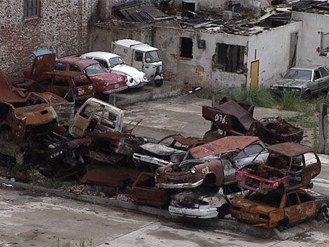 La IM comenzó a retirar los autos abandonados en la calle