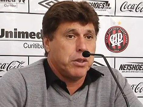 El Paranaense golea y JR Carrasco deslumbra con su portuñol