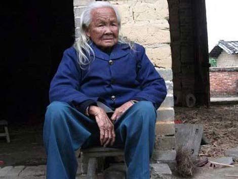 Anciana china declarada muerta salió del ataúd para cocinar