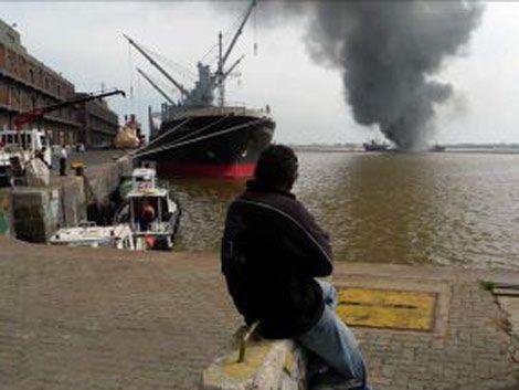Incendio en pesquero coreano; dos tripulantes desaparecidos