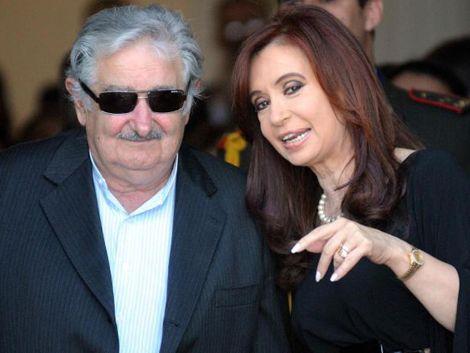 Uruguay ofrece a Argentina eliminar dólar para comercio bilateral