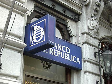 Sindicato bancario analizará expulsar a Calloia de sus filas