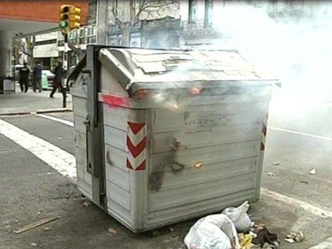 IM sancionará a quienes rompan o incendien contenedores de basura