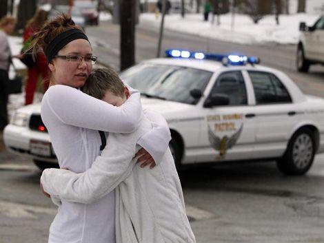 Un muerto y varios heridos tras tiroteo en secundaria de EE.UU.