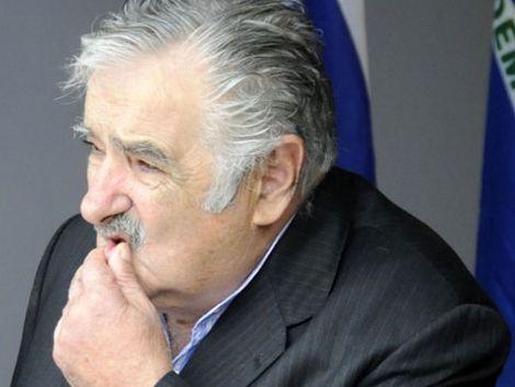 Mujica abre posibilidad de medidas espejo a trabas argentinas