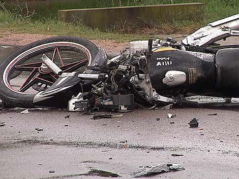 Una joven en moto murió al chocar con un auto en Giannattasio
