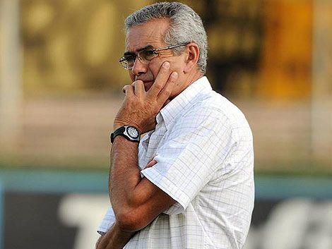 Gregorio Pérez fue cesado de la conducción técnica de Peñarol