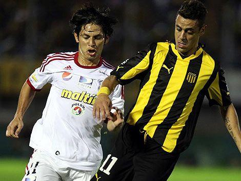 Respira Gregorio: Peñarol ganó 2 a 0 ante El Tanque Sisley