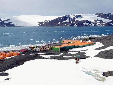 Dos muertos y decenas de evacuados en base brasileña de Antártida