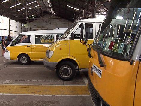 Inspeccionan todos los vehículos de transporte escolar