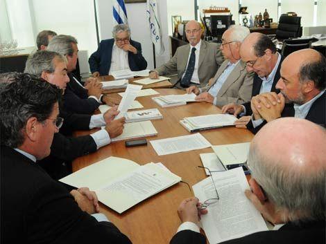 Gobierno y oposición firmaron el polémico acuerdo educativo
