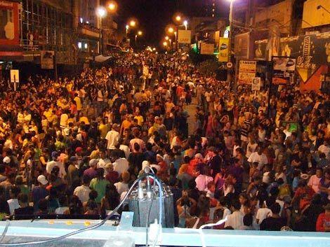 El Carnaval en Rivera reúne a miles de personas cada noche