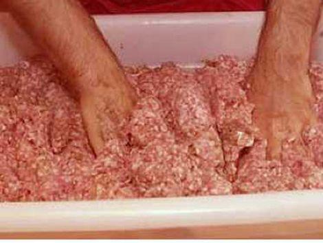 Carne picada con alto porcentaje de grasa y menudencias