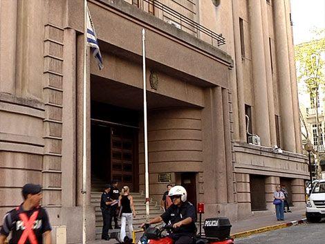 Justicia del Crimen Organizado allanó la Jefatura de Policía