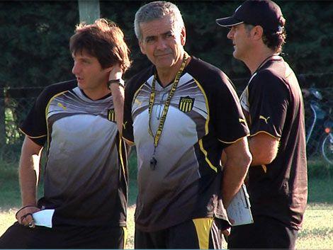 Peñarol y Godoy Cruz reeditan esta noche la Libertadores 2011