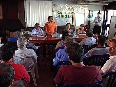 Uruguayos retornados se reúnen para evaluar planes y problemas