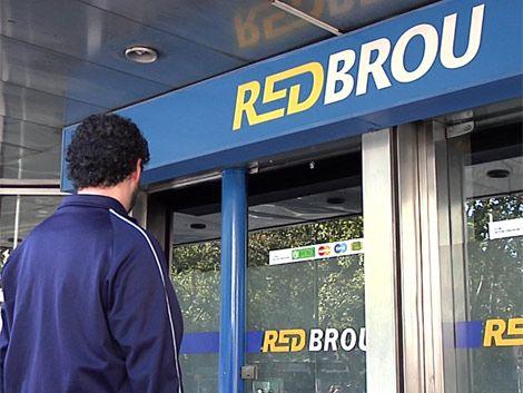 Hubo acuerdo y AEBU vuelve a recargar cajeros de RedBrou