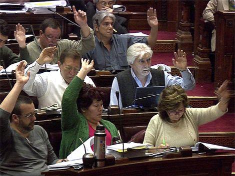 Diputados aprobó proyecto de rebaja del IVA y cambios en el IRPF