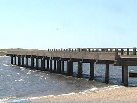 Oposición convoca a Muslera por puente en Laguna Garzón