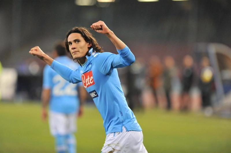 Con dos goles uruguayos Nápoli volvió al triunfo