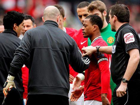 Patrocinadores del Liverpool decepcionados con actitud de Suárez