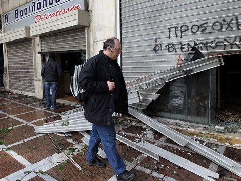 Nuevos disturbios en Grecia tras recortes presupuestales