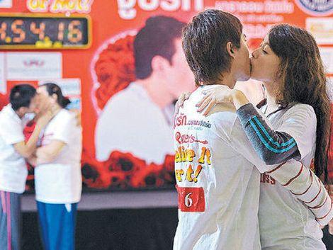 Maratón de besos para preparar el Día de San Valentín
