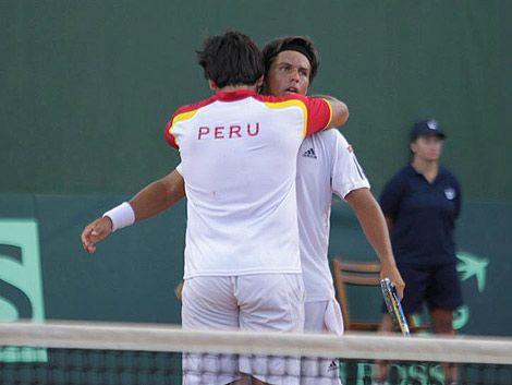 Perú ganó el partido de dobles y puso la serie 2 a 1
