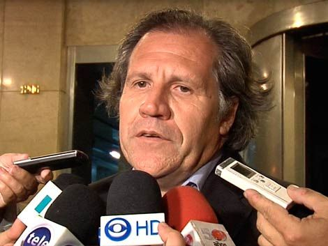 Almagro expresó preocupación por militarización en Malvinas