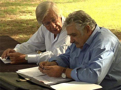Mujica pidió escuchar más a la gente y no tanto a los medios