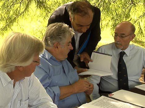 Mujica y legisladores del Frente Amplio marcan la agenda del año