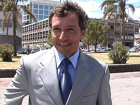 Larrionda fue elegido como segundo mejor árbitro del Siglo XXI