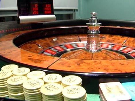 Robaron fichas de casinos y ahora la Policía los espera