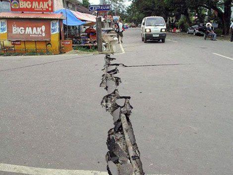 Terremoto en Filipinas deja 12 muertos y 40 desaparecidos