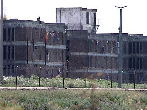 Procesan a cuatro reclusos por incendio en el Comcar