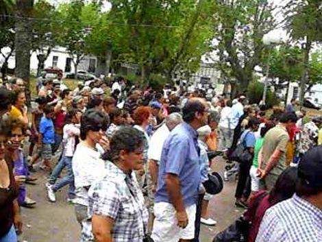 Marcha del Silencio en Lascano por asesinato del cirujano Vivas