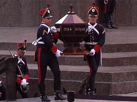 El jueves trasladan restos de Artigas al Palacio Legislativo