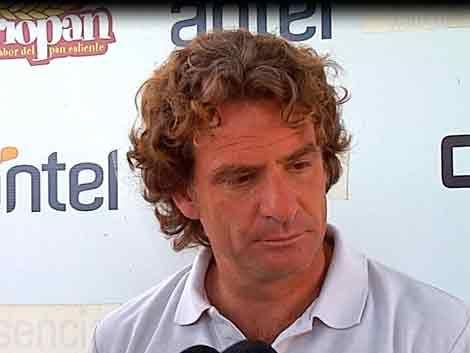 Carreño reconoce debilidades de Wanderers y apuesta al futuro