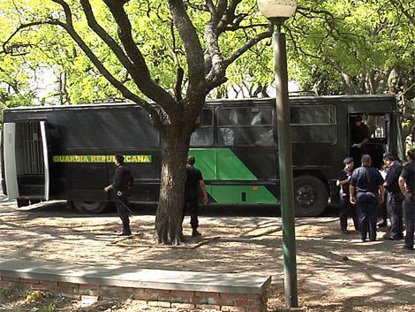 Policía trabaja con 240 efectivos de civil y carcelaje móvil