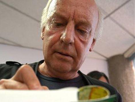 Eduardo Galeano escribe los sueños de su esposa