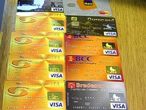 Clonación de tarjetas: Brou cambia banda magnética por chips