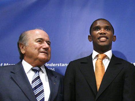 Presidente de FIFA justificó dichos racistas en canchas de fútbol