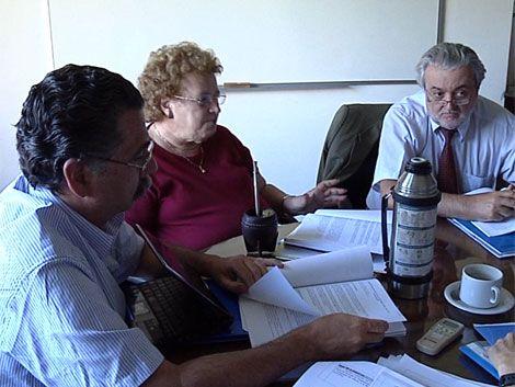 Comenzó reunión clave por crisis entre autoridades educativas