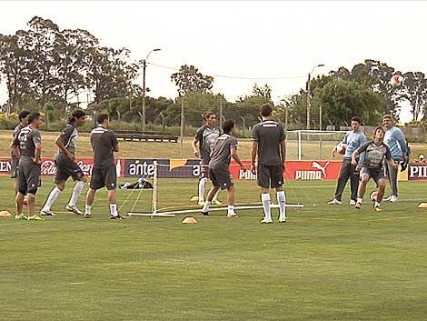 Uruguay busca superar al herido Chile para liderar  Eliminatorias