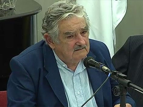 Mujica admitió error de impulsar voto consular junto a elecciones