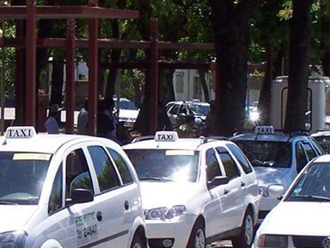 Taxista en Durazno recibió un tiro en la boca por $250: está vivo