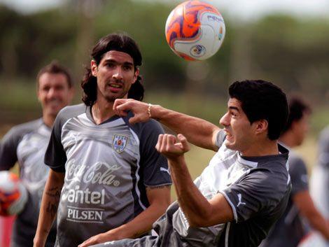 Tabárez prueba el equipo: Godín y Ramírez entre los titulares