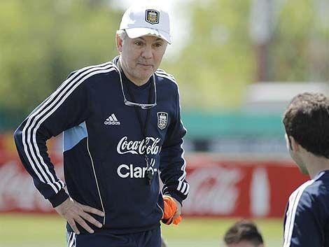 Sabella descarta formar dos equipos para Bolivia y Colombia