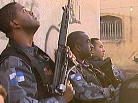Muerte de camarógrafo registrada en medio de operativo en favela