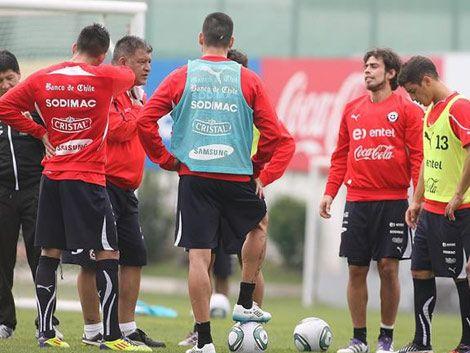 Chile no se confía en la ausencia de Forlán y de otros lesionados